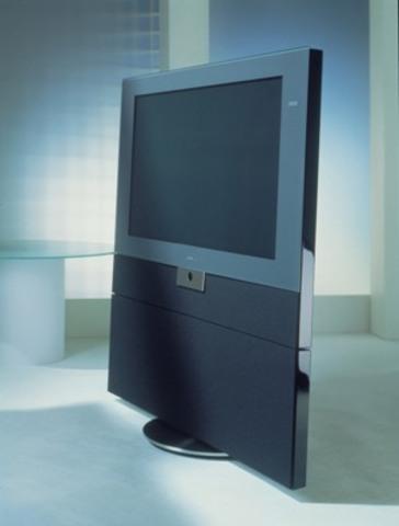 Pantasonic Television creates the first flat screen television