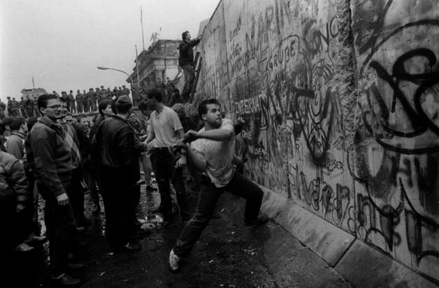Berlin Wall Creation