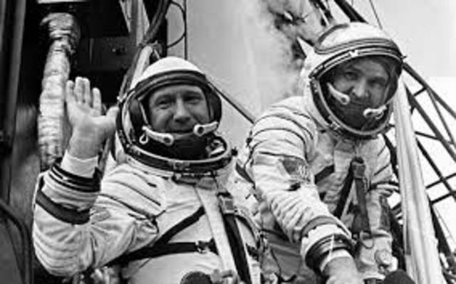 U.S. astronauts and Soviet cosmonauts
