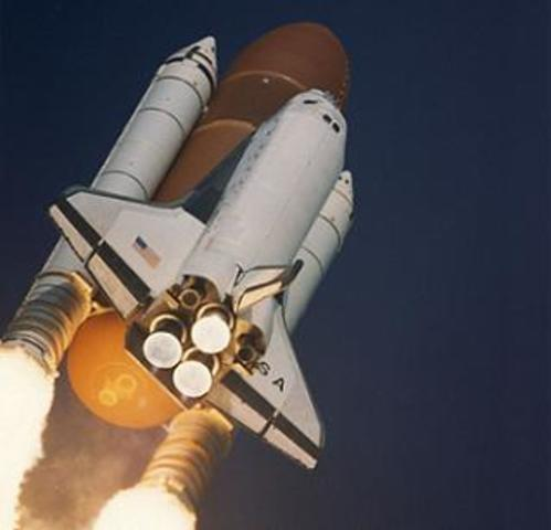 Shuttle Columbia becomes first winged spaceship