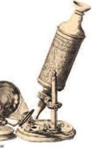 Desarrollo del primer microscopio compuesto