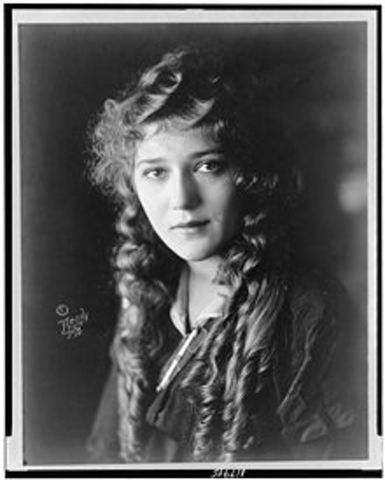 Mary Pickford born