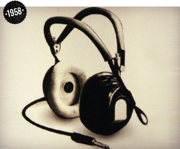 the first Stereo Headphone