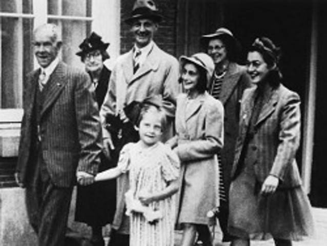 """Annelies Marie """"Anne"""" Frank and family enters the Achterhuis"""