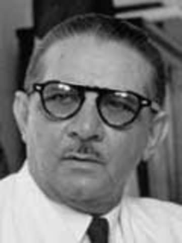 32 - Alcibíades Arosemena Quinzada (9 de mayo de 1951 - 1 de octubre de 1952)
