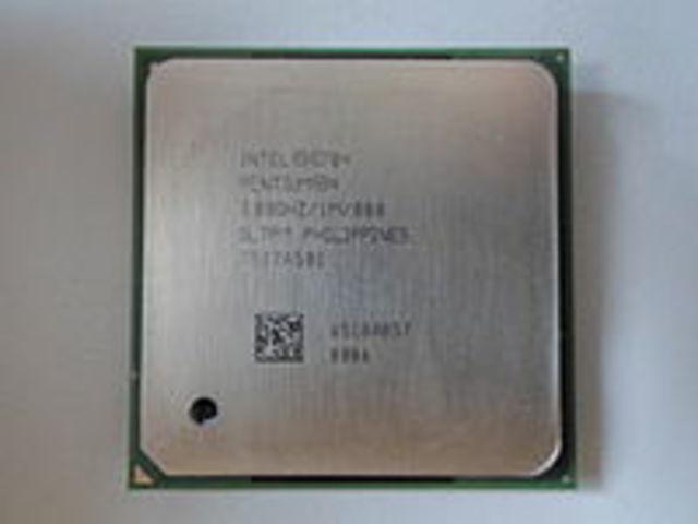 2000: EL Intel Pentium 4
