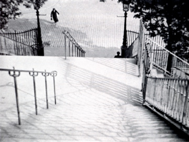Andre Kertesz: Montmartre, 1927