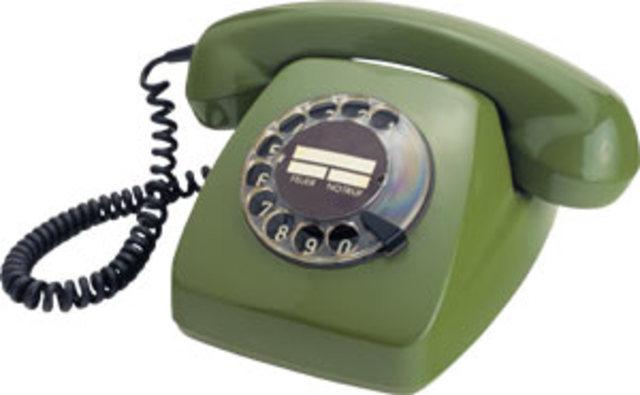 PRIMER TELEFONO FIJO