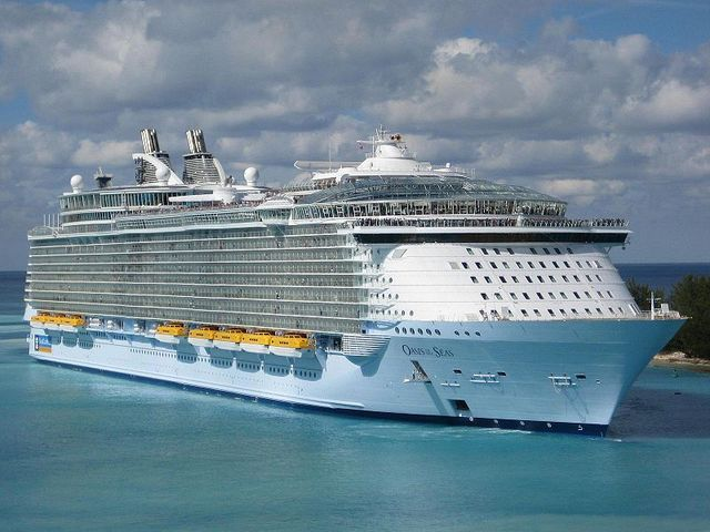 Oasis cruise ship gores in to service