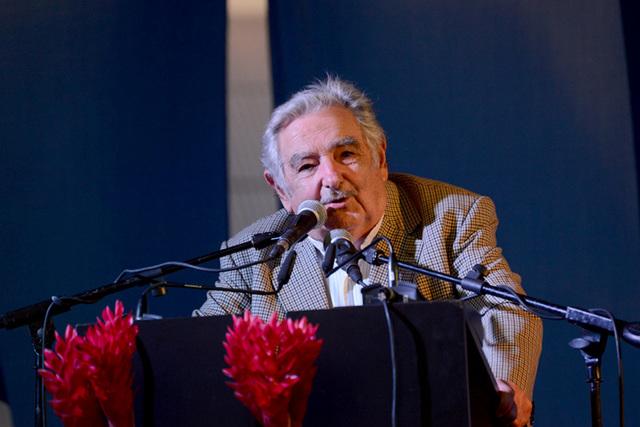 Visita Mujica