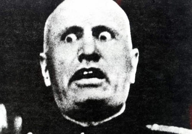Benito Mussolini wants a Communist goverment