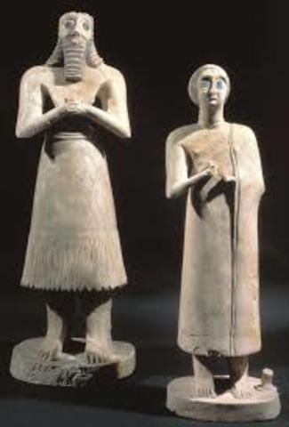 Statues of votive figures