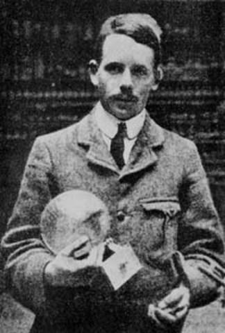 Henry Gwyn-Jeffreys Moseley (England)