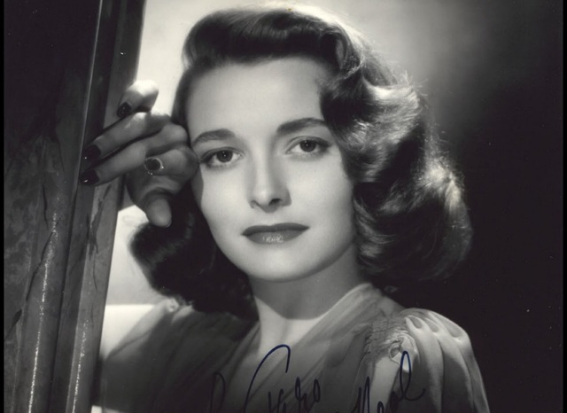 Meets future wife, actress Patricia Neal.