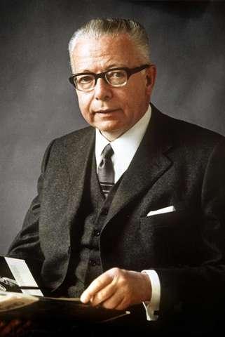Gustav Heinemann gewählt