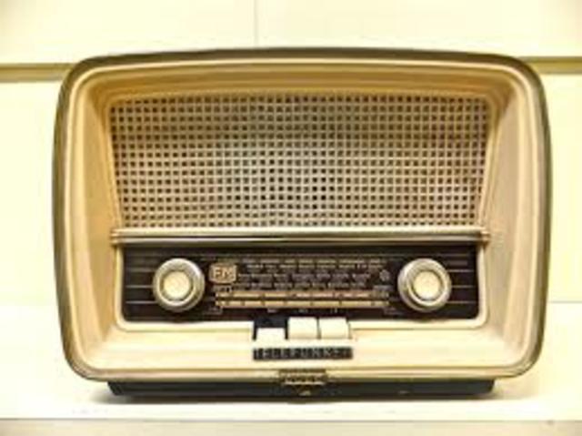 Aparatos de reproducci n y grabaci n de sonidos timeline timetoast timelines - Fotos radios antiguas ...