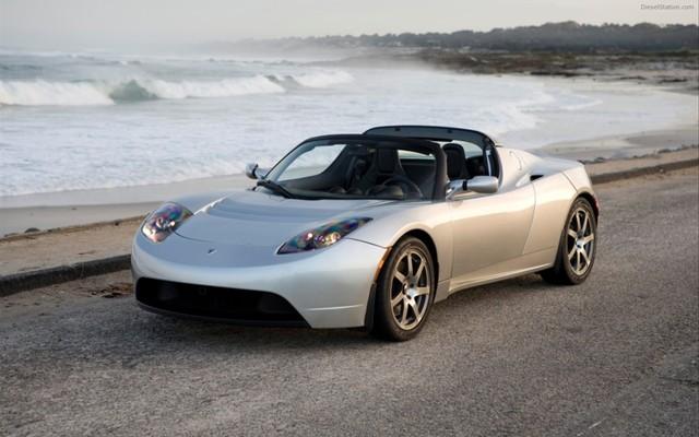 Tesla Roadster 100