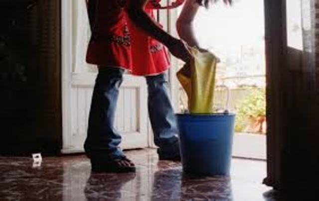 Almudena una mujer trabajadora timeline timetoast timelines - Trabajo limpiando casas ...