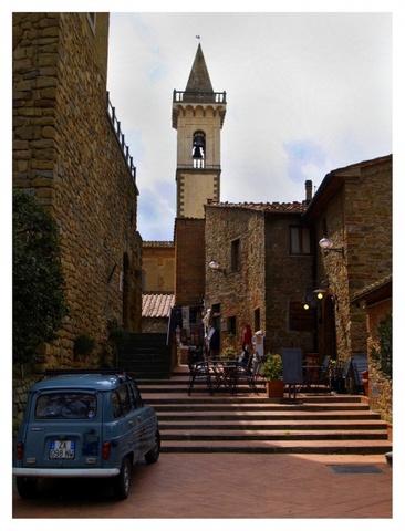 Винчи, родной город Леонардо да Винчи.