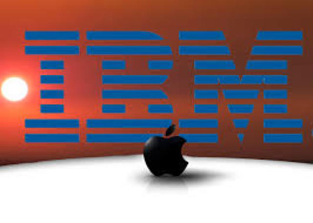 La Power PC de la alianza IBM, Motorola, y Apple es presentado en Julio