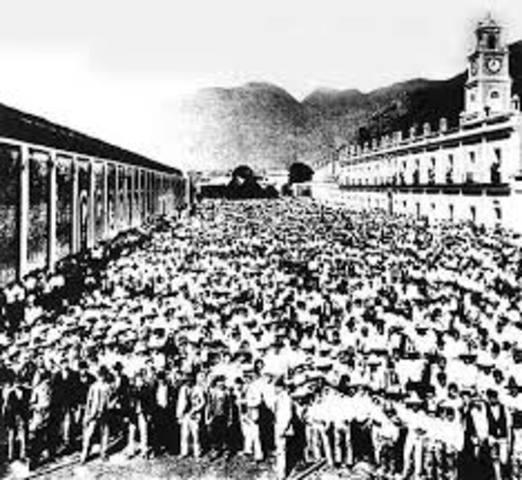 Estalla rebelión obrera de maestros, ferrocarrileros, petroleros y otras organizaciones sindicales