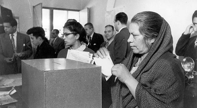 Derecho de votar a las mujeres.