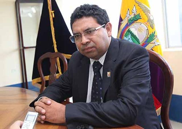 Se ratifica orden de prisión en contra de Santos