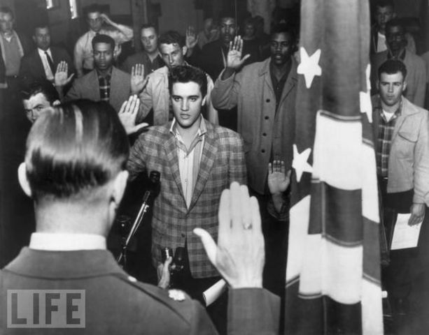 Elvis is sworn into the army