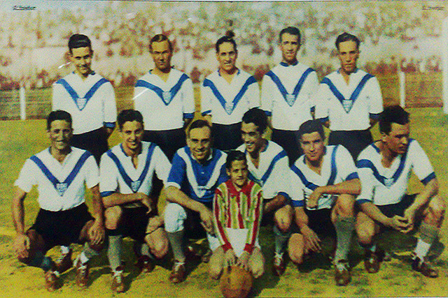 VELEZ 1933