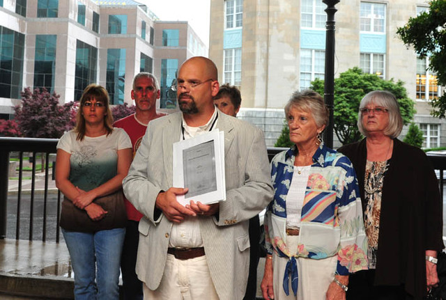 Mills Gap citizens hold press conference alleging malfeasence in EPA's handling of CTS site