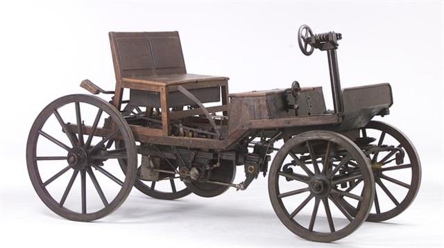 Prototipo de auto con motor de combustión interna: