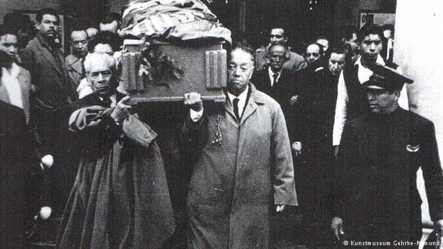 Frida Kahlo Muere