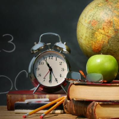 Historia Paradigmas de la Educacion timeline