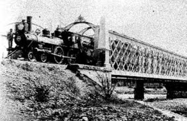 Inauguración de la primera vía ferroviaria.