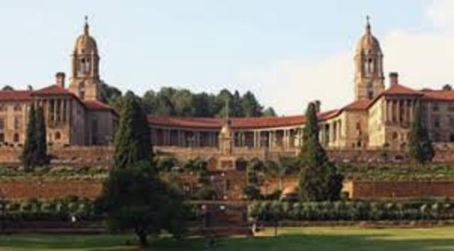 Nasce a Universidade de Sudáfrica
