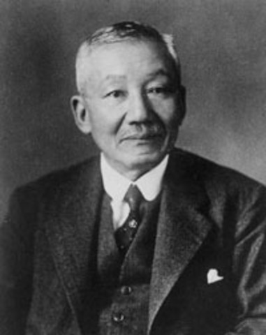 Hantarō Nagaoka desarrolló el primer modelo atómico