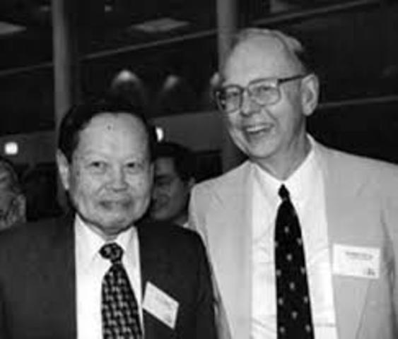 Yang y Mills desarrollaron las bases del Modelo estándar.