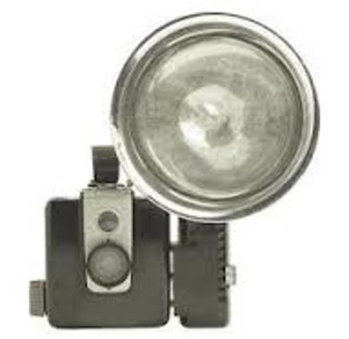 Invención de las lámparas de flash para fotografías.