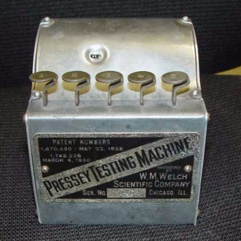 Sydney Pressey  y el diseño del primer sistema de enseñanza programada