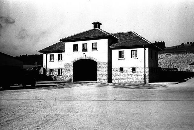 En Diciembre de 1939 se abre el subcampo de concentración de Gusen (Austria) y para final de mes ya están levantados los barracones del 1 al 20.