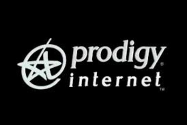 En 1996, se incursionó el servicio de internet.