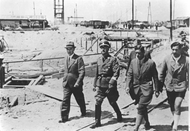 En Marzo de 1941 Himmler ordena incluir en su programa de eutanasia a todos prisioneros de los campos de concentración que lleven más de 3 meses enfermos y a los que presenten signos de fatiga o agotamiento.