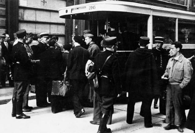 3.600 judíos son arrestados en París (Francia)