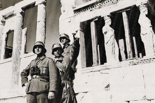 Las tropas alemanas toman Atenas (Grecia)