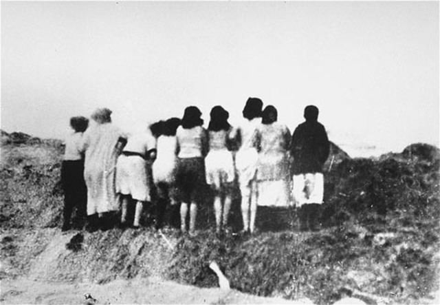 Los Einsatzgruppen asesinan a 33.771 judíos en Babi Yar (Ucrania)