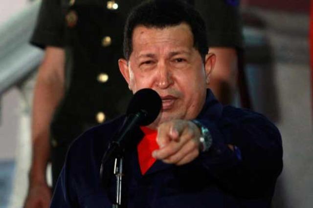 Chavez ofrece y pide respeto a Colombia