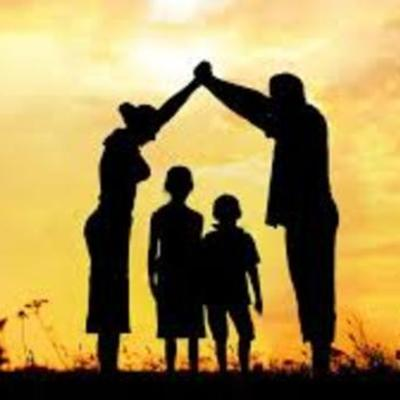 la historia del trabajo social familiar timeline