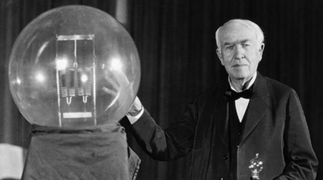 First Light Bulb Invented: Thomas Edisons designs,Lighting