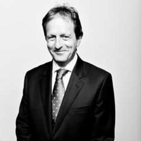 1982 - Keith Oliver vuelve popular el termino cadena de suministro.