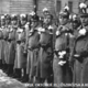 Őszirószás forradalom rószák a katonasapkákon